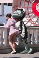 Crazy Frog sau Frumoasa si bestia?