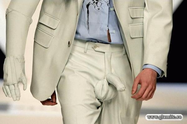 Pantaloni cu dotare