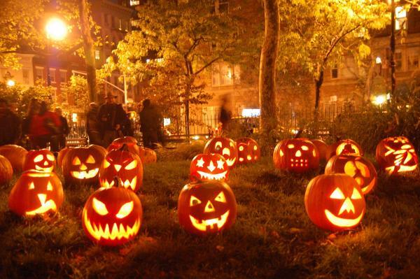 In parc, de Halloween