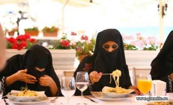 Cum mananca paste femeile din lumea araba?